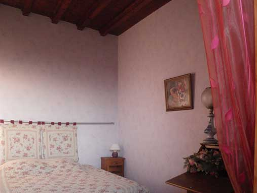 Solutré bedroom